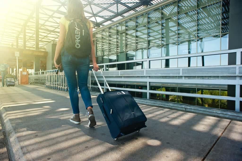 Отпуск, чемодан, аэропорт