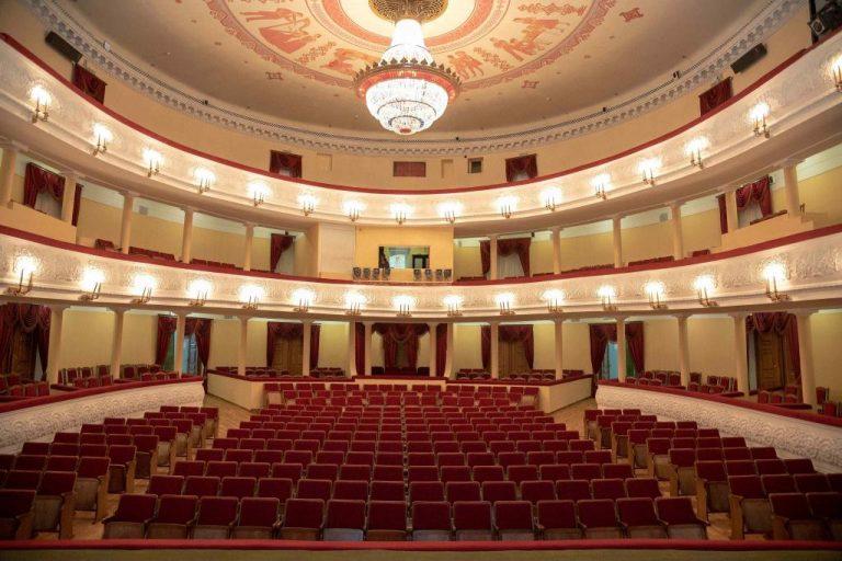 Шкетан лӱмеш театрыште у йӱк да тул оборудованийым вераҥдат